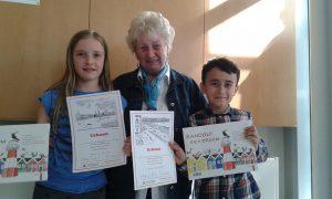 Sieger beim Plattdeutsch-Wettbewerb an der Schule Marmstorf mit Jury