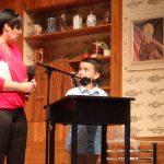 Emir-Can und Sandra Keck auf der Bühne des Ohnsorg-Theaters